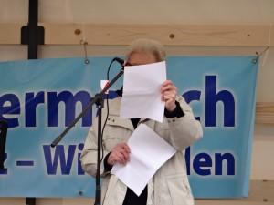 Warum haben die Ostermärsche in diesem Jahr einen so kläglichen Zuspruch gefunden? Ich weiß es wirklich nicht, denn die Redner waren überzeugend, wie dieser Fotobeweis aus Mainz zeigt.